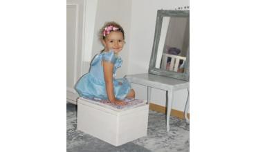 Skrzynia,pufa, siedzisko ze schowkiem do przechowywania zabawek