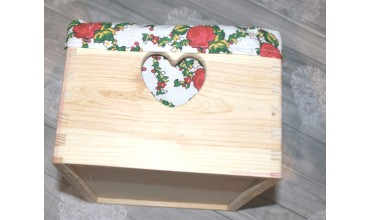 Skrzyneczka drewniana na przechowywanie książek, chusteczek, okularów